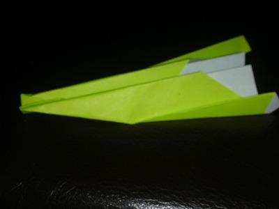 紙飛行機をとばしてみよう